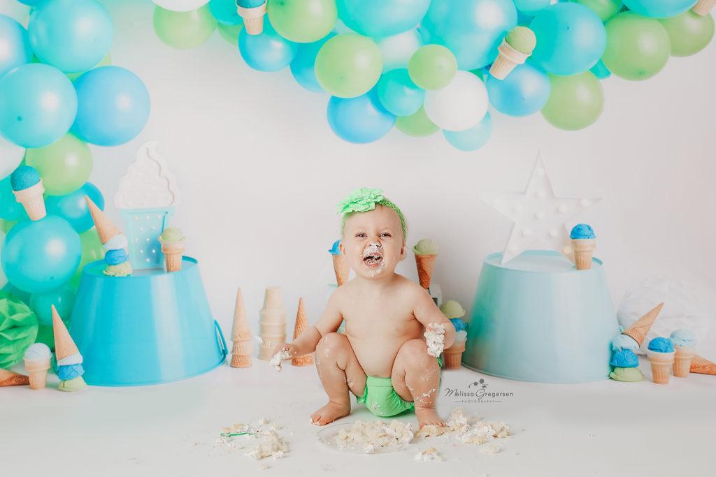 kalamazoo baby photography cake smash